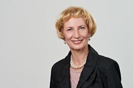 Kornelia Siebert, Assistenz Technik und Forschung, Verein Deutscher Werkzeugmaschinenfabriken e.V. (VDW), Frankfurt/Main, © Uwe Nölke, look@team-uwe-noelke.de, +49 6173 321413, alle Rechte vorbehalten.