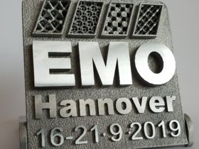 Am 15. Januar 2019 beginnt die EMO Hannover World Tour. Start ist in Vietnam. Die nächsten Stationen sind Malaysia, Indonesien und Thailand. Es folgen 35 weitere Veranstaltungen in 30 Ländern bis in den Juni hinein. Vertreter des EMO-Veranstalters VDW (Verein Deutscher Werkzeugmaschinenfabriken) und seines Kooperationspartners Deutsche Messe AG präsentieren die EMO Hannover und ihre Besonderheiten vor Journalisten aller Mediengattungen.