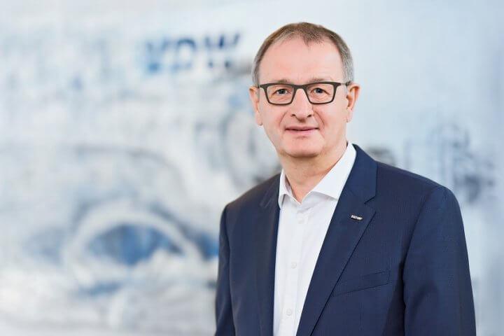 """""""Die gute Auftragslage spiegelt sich nun auch im Produktionsergebnis wider"""", berichtet Dr. Wilfried Schäfer, Geschäftsführer des Branchenverbands VDW (Verein Deutscher Werkzeugmaschinenfabriken) in Frankfurt am Main."""