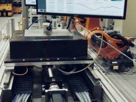 Mit einem Messdemonstrator wird die adaptive Schmierung und Zustandsüberwachung von Kugelgewindetrieben verdeutlicht. Foto: wbk