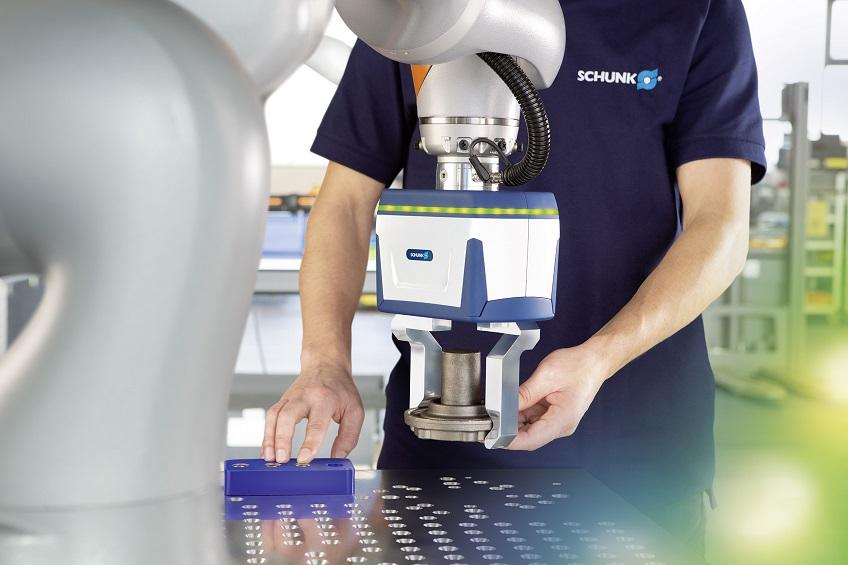 Das Ziel der baden-württembergischen Automationsspezialisten ist es, Roboterherstellern und Integratoren unabhängig geprüfte Co-act-Greifer zur Verfügung zu stellen, mit denen sich kollaborative Szenarien schnell realisieren und zertifizieren lassen. Foto: Schunk