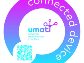 This sticker on a machine indicates that it is connected via umati. The data can be tracked live in a central dashboard by scanning the QR code. Picture VDW