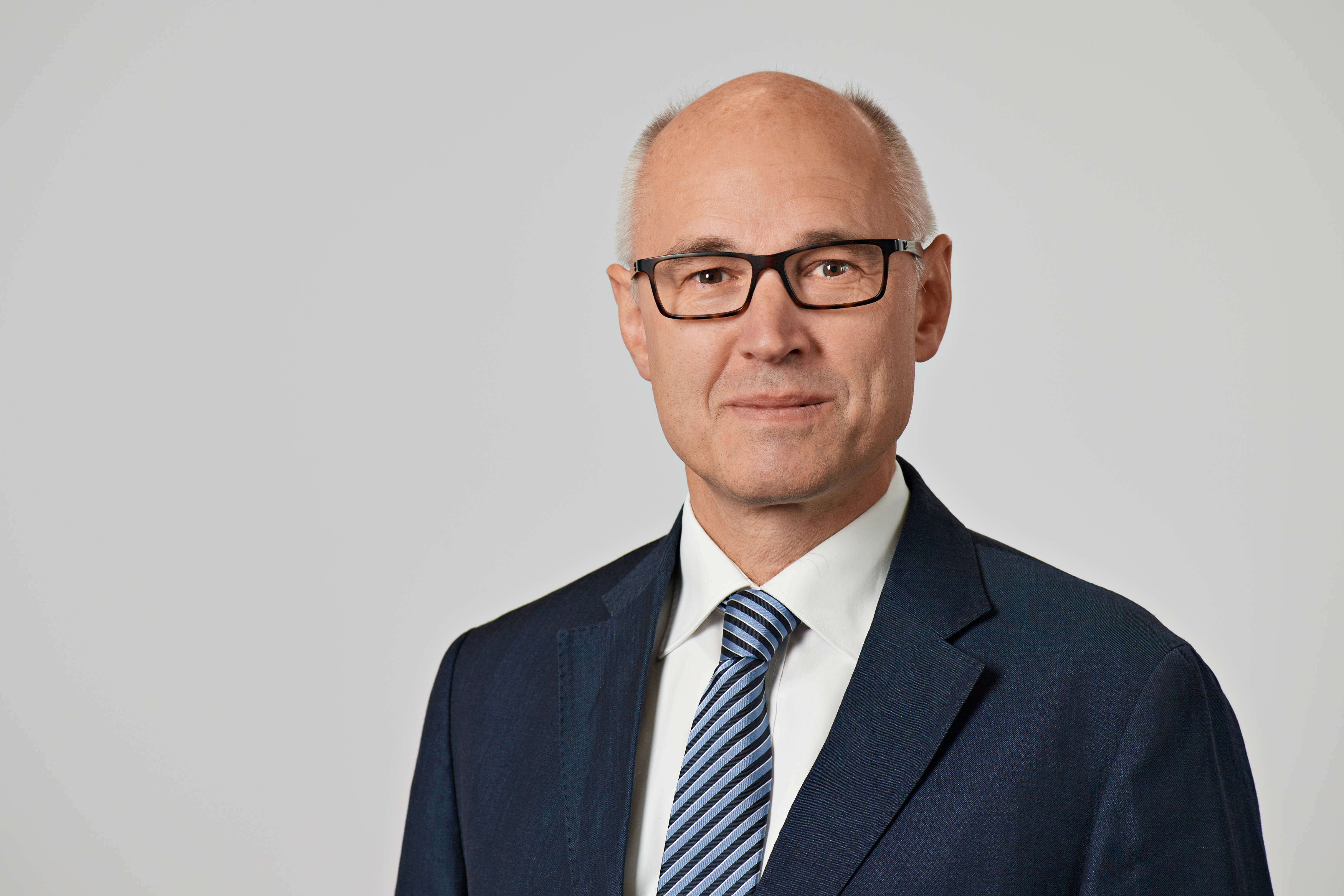 """Bernt Ritz, Consultant for Technology, Standardization and Clamping Tools in the VDMA Precision Tools Association: """"The standard sheet serves designers as a checklist which they can use to check which safety-related issues need to be taken into account at the design stage."""" Photo: VDMA"""