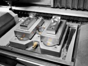 Beim 3D-Druck sind besondere Anforderungen bei der Spanntechnik zu berücksichtigen, unter anderem hohe Temperaturen – von AMF speziell auf die additive Fertigung abgestimmte Nullpunktspannmodule erfüllen die Bedingungen und beschleunigen zudem die Rüstprozesse. Foto: AMF