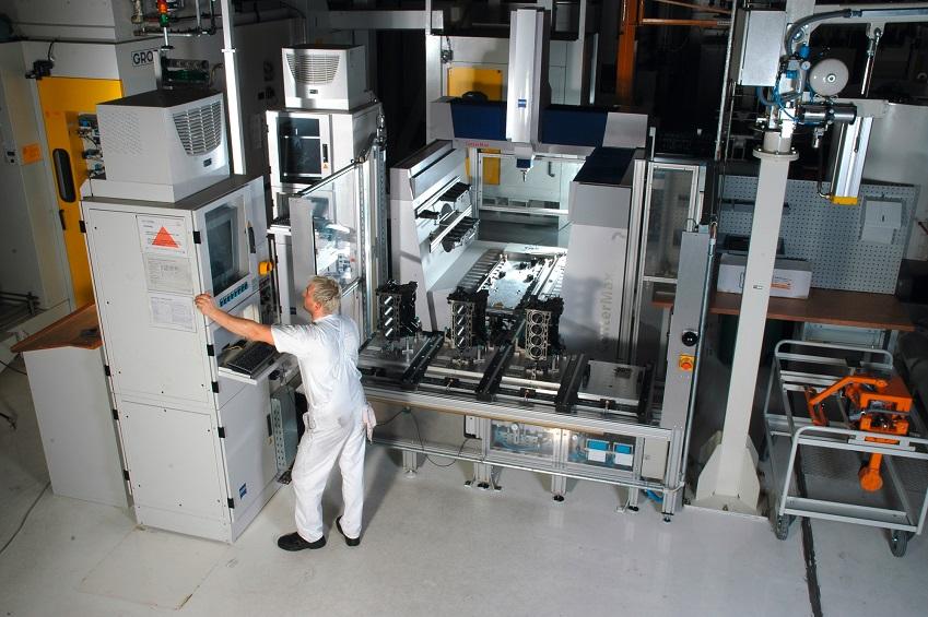 Der Kommunikations- und Schnittstellen-standard OPC UA ist ein vielversprechender Ansatz, um den Integrationsaufwand von Messtechniklösungen innerhalb der Fertigung deutlich zu verringern. Foto: Carl Zeiss Industrielle Messtechnik