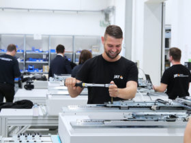 The Jena-based experts develop and produce tailor-made drive systems for machine builders. The 2020 Düsseldorf Innovation Forum will feature extensive information on customer-specific servo drive technology and mechatronic systems. Photo: JAT – Jenaer Antriebstechnik