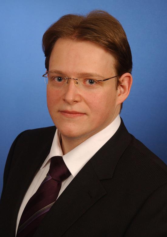 Christian Adler leitet in Hannover die Prüf- und Zertifizierungsstelle Oberflächentechnik und Anschlagmittel der Berufsgenossenschaft Holz und Metall (BGHM).