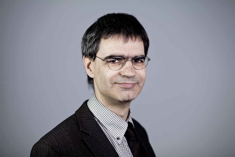 Dr. Volker Wittschock ist wissenschaftlicher Mitarbeiter der Professur für Werkzeugmaschinenkonstruktion und Umformtechnik an der TU Chemnitz.
