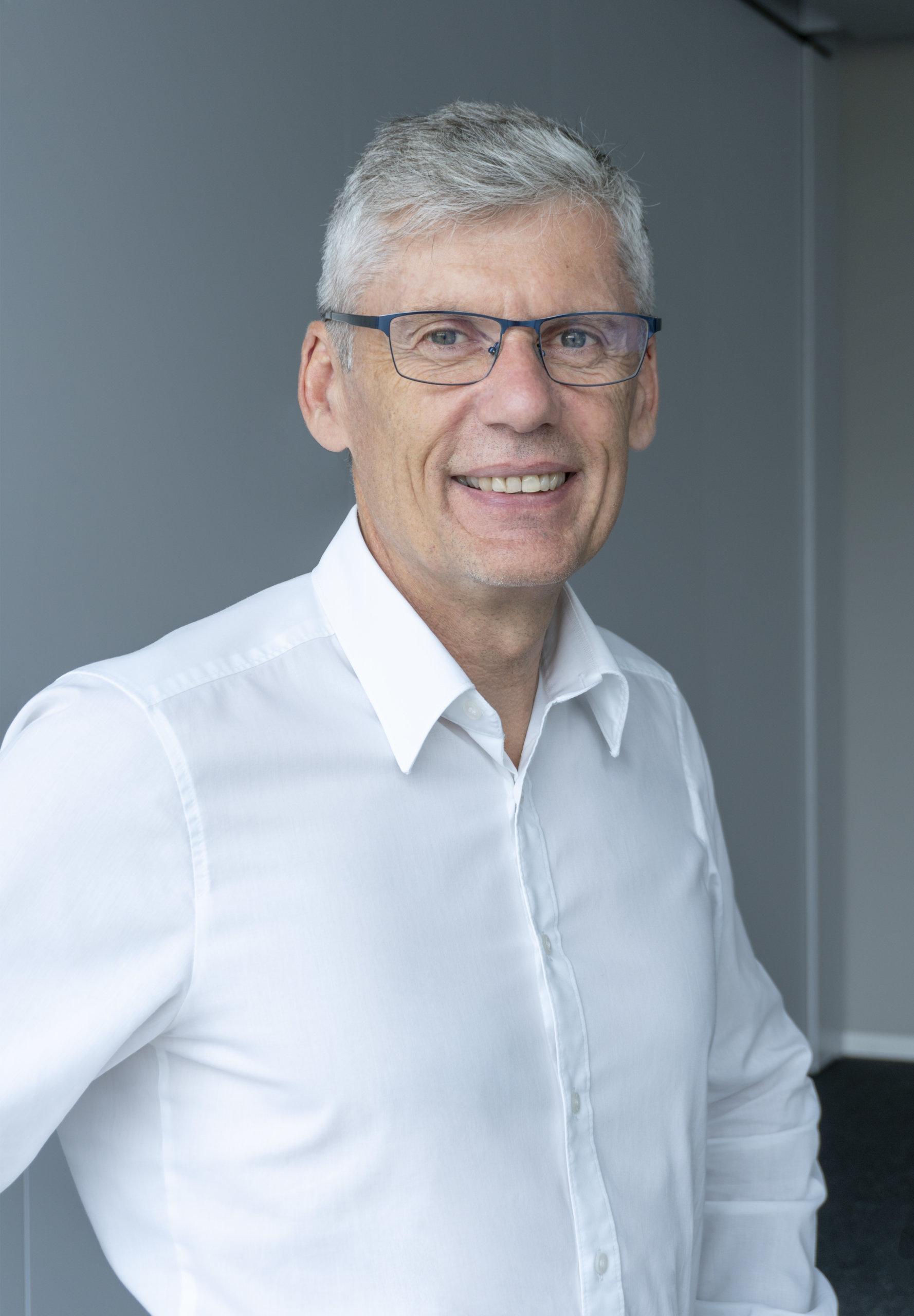 """Alfred Hillinger, Konstruktionsleiter der Hainbuch GmbH: """"Die Felder der digitalen Transformation sind noch längst nicht alle ausgereizt.""""  Foto: Hainbuch"""