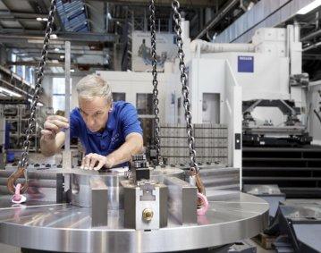 Individuelle Kundenwünsche, zunehmende Automatisierung und Digitalisierung, begleitende Dienstleistungen über den gesamten Lebenszyklus einer Werkzeugmaschine – aus einfachen Lieferketten werden komplexe Wertschöpfungsnetze. Foto: Gebr. Heller Maschinenfabrik