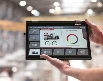 Der digitale Prozessassistent EMCONNECT sorgt mit Konnektivität für optimale Arbeitsabläufe und erhöhte Produktivität. Foto: EMCO GmbH