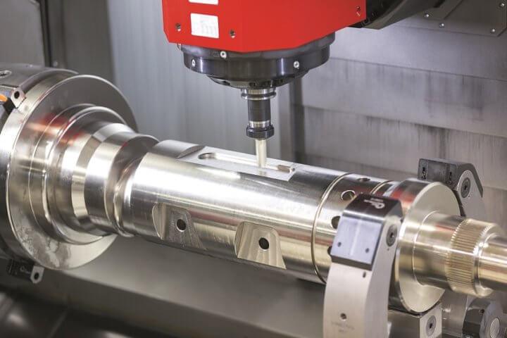 Anspruchsvolles Taschenfräsen auf einer Emco-Bearbeitungsmaschine: Auf der METAV digital erhalten Interessierte umfangreiches Expertenwissen zu Zerspanungsprozessen und Werkzeugmaschinen.