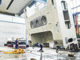 Heavyweight on the move: A look at the production of presses at Schuler in Erfurt. Source: Schuler Group